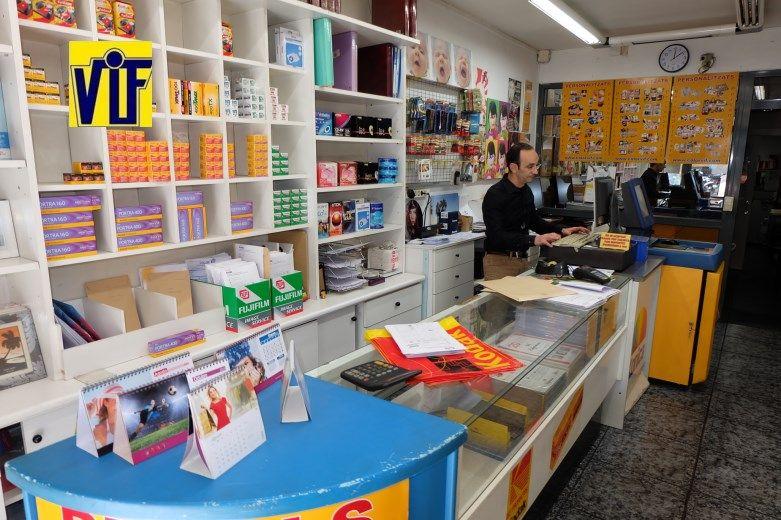 Colorvif laboratorio fotográfico profesional Barcelona, foto digital y analógica barato, fotos DNI, revelado negativos y escanear