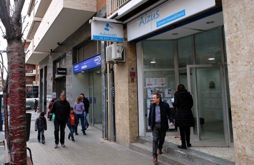Donde alquilar un piso en Ripollet,Aizus servicios Inmobiliaria en Ripollet, Barcelona, venta y alquiler de pisos,casas,locales,hipotecas baratas