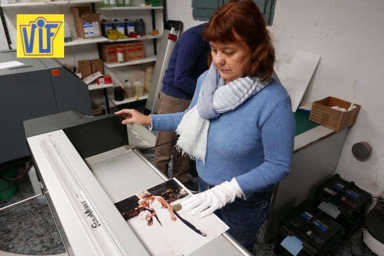 La mejor tienda foto Colorvif para imprimir fotografías digitales y analógicas en Barcelona
