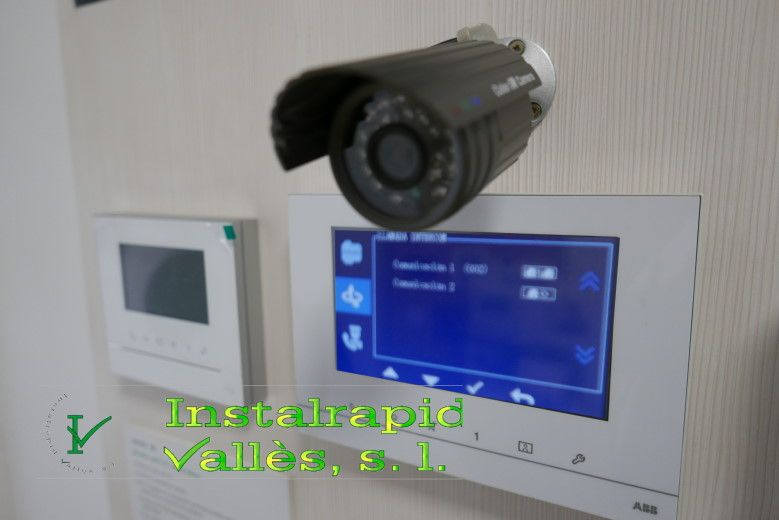 Instalar y reparar en comunidades de vecinos en Mollet del Vallès,Barcelona instaladores y reparadores de videoporteros y porteros Instalrapid Vallès