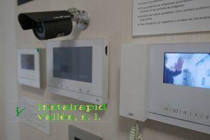 Los instaladores y reparadores de videoporteros ABB y porteros Instalrapid Vallès,para comunidades en Mollet V. Barcelona