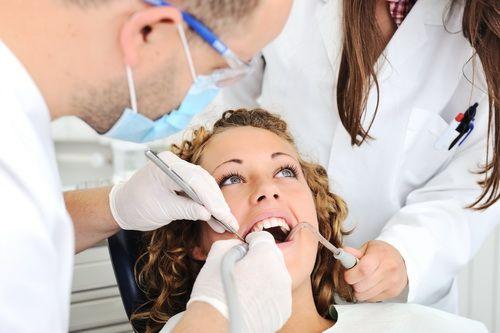 El mejor precio de Seguro Dental, cuidamos tu salud, revisión anual gratis, clínicas en toda España, Dentalitas